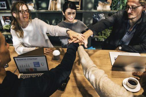 5 einfache Schritte die Mitarbeiter ohne Mehrkosten glücklicher zu machen