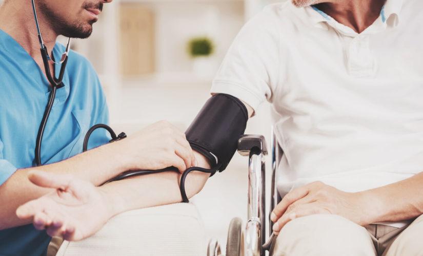 Rot-Weiß-Rot-Karten Zugang für Pflegekräfte wird erleichtert