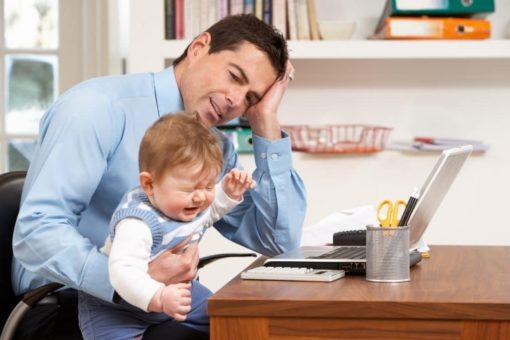 Eltern leiden im Lockdown psychisch stärker als andere Berufstätige